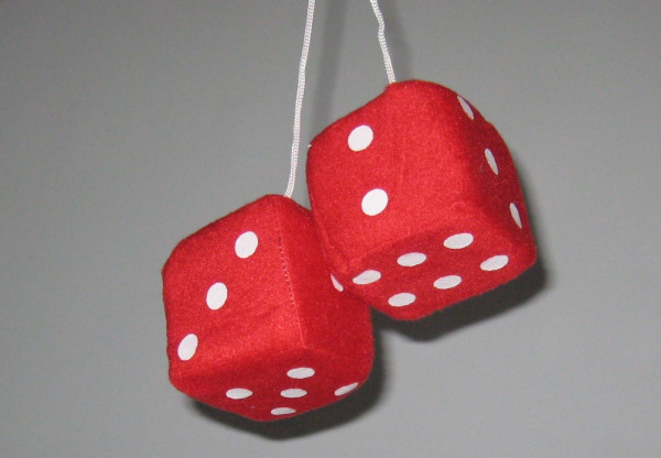 Plüschwürfel, Fuzzy Dice, 6 Farben, 7x7 cm rot